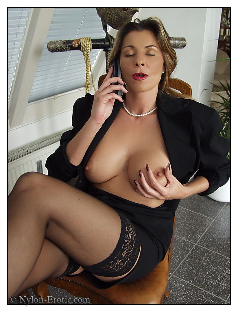Mature erotic nylons